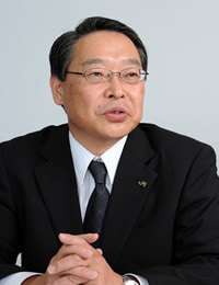 Katsuya Kuwabara<br>