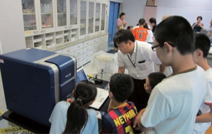 Electron microscope hands-on session